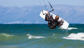 kite-boarder-wave-jumping-3100788_640